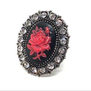 🆕Vintage Rhinestone & Rose Cameo Ring